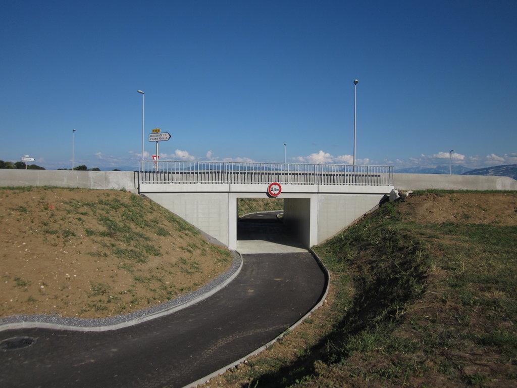Passage sous la route, route de Flie et Prégnin, Saint-Genis-Pou